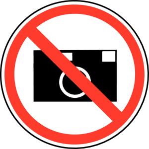 Consommer ou photographier au restaurant, il faut choisir